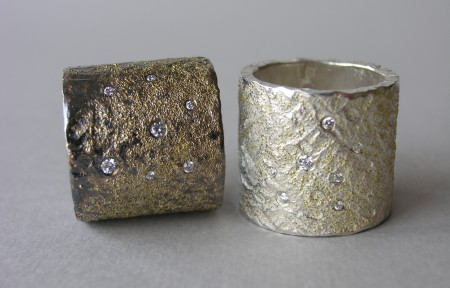 Silver rings with goldgrains and diamonds