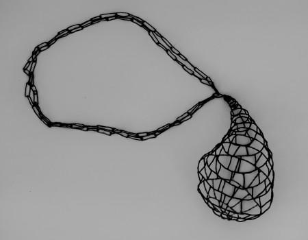 Necklace in black silver