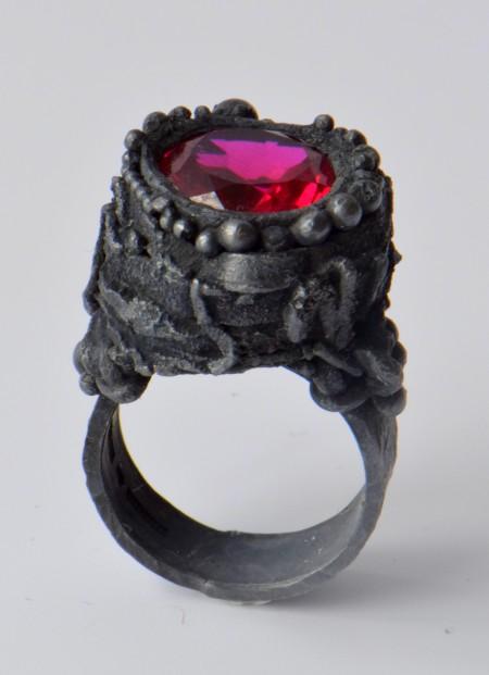 Ring, black silver, syntetic ruby