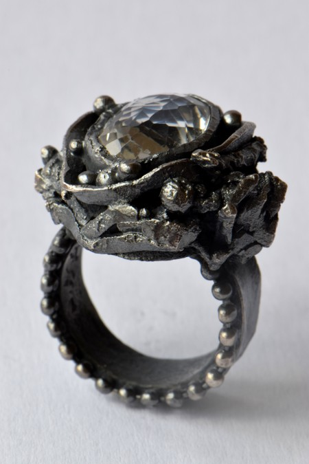 Modus Operandi, ring black silver rock crystal